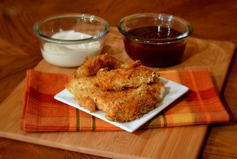 chicken strips with 2 sauces