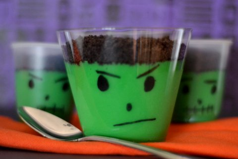 this is a kid friendly halloween treat idea - Pudding Halloween Desserts