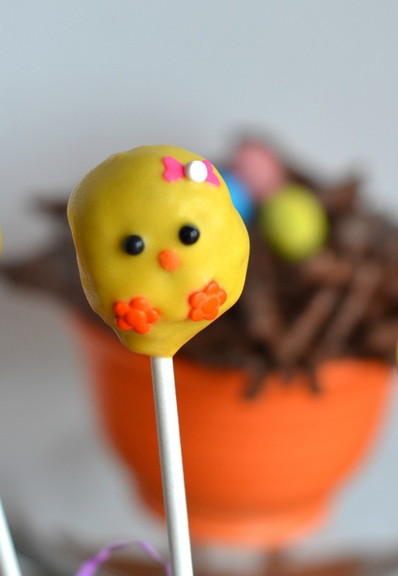 Chick Cake Pops made with Donut Holes || Stop Lookin' Get Cookin'